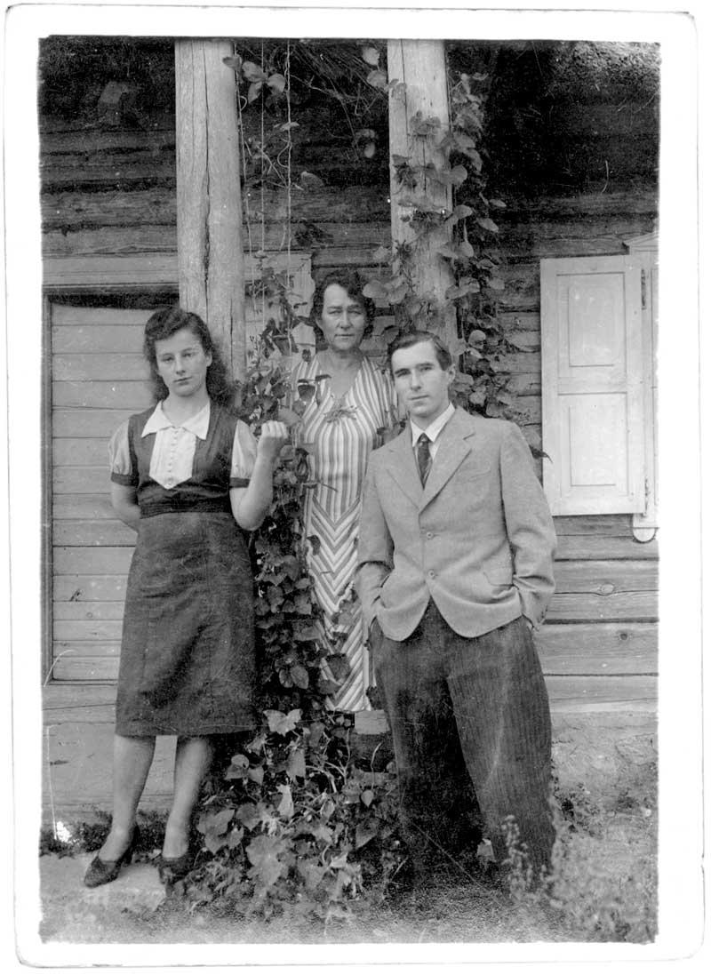 Władysława, Krystyna i Zbigniew Kunigiel, 1940